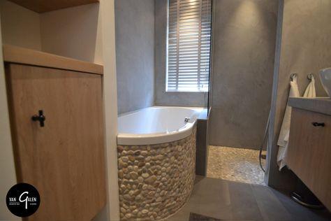 Badkamers Natuurlijke Materialen : Landelijke maatwerk badkamer met natuurlijke materialen
