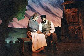 Tevye And Golde Fiddler On The Roof Play Houses Fiddler