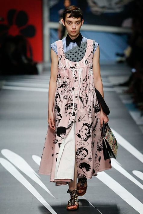 Prada - Spring 2018 Ready-to-Wear Prada Spring 2018 Ready-to-Wear Fashion Show Collection See the complete Prada Spring 2018 Ready-to-Wear collection.