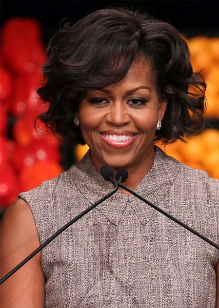 Michelle Obama S Best Hairstyles Stylecaster Michelle Obama Hairstyles Hairstyle Michelle Obama Fashion