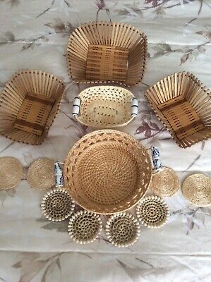 Lot Of 13 Items 5 Wooden And Woven Straw Baskets And 8 Straw