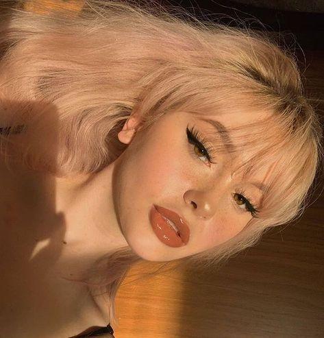 △Sco△ x Sensi - Die letzte Sonne Edgy Makeup, Cute Makeup, Makeup Looks, Hair Makeup, Grunge Makeup, Blonde Aesthetic, Aesthetic Hair, Aesthetic Makeup, Short Wavy Hair