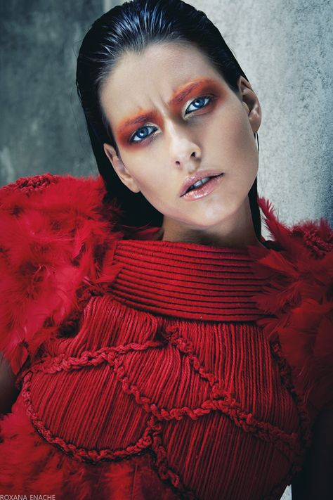 AZTEC RED photography and concept ROXANA ENACHE design NOVOTNI LOREDANA model Alice - MANDARINA MODELS make up NATALIA KISELEV hair ELENA IONITA