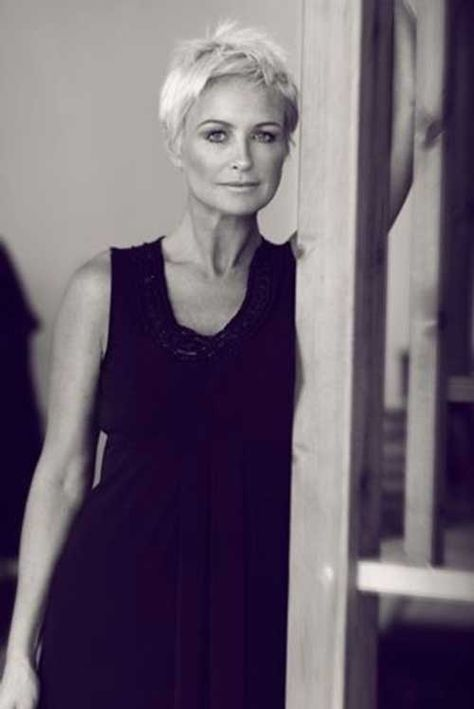 15 Short Pixie Hairstyles For Older Women   Hairstyles because I am old...
