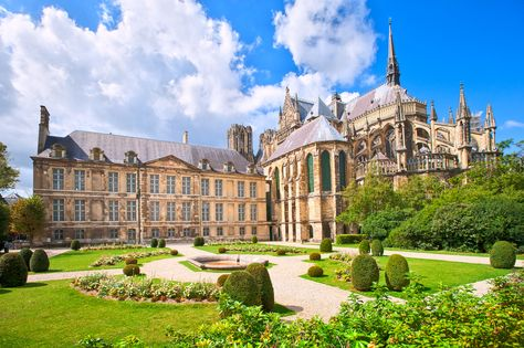 The Reims Cathedral | 21 Magical Photos That Will Make You Fall In Love With France
