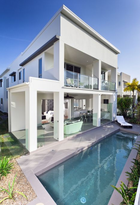 5 Reasons To Build Your Pool Close To The House Pool Pricer Modern Residential Architecture Best Modern House Design Pool Houses