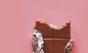 7 Buenas Razones Para Comer Chocolate Durante El Periodo Chocolate Dolor Menstrual Copa Menstrual