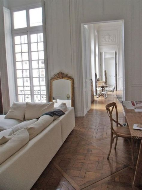 25 Home Decoration Organization and Storage Tips - Cosy Interior. Best Scandinavian Home Design Ideas. The Best of home design ideas in Parisian Apartment, Dream Apartment, Paris Apartments, French Apartment, Paris Apartment Interiors, Parisian Bedroom, Apartment Plants, White Apartment, Bedroom Classic