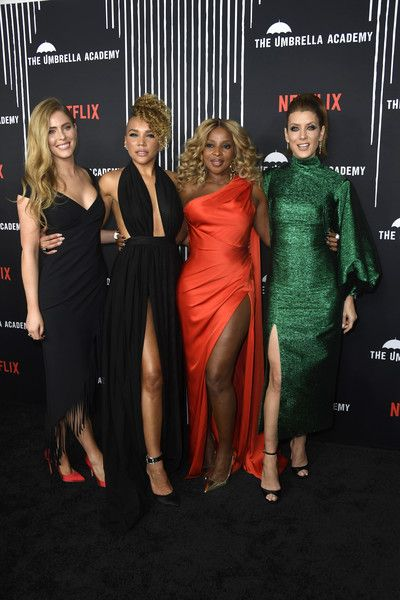 08896ea6db4 Mary J. Blige Photos Photos: Premiere Of Netflix's 'The Umbrella ...
