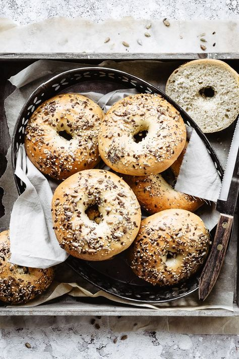 BEST HOMEMADE BAGELS / how to make bagels step by step. Are bagels healthy? Sure they are! - bagels food photography / bread photography / bagels photography / easy homemade bread