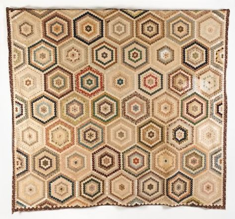 Early printed cottons hexagon coverlet, 1790 - 1820, Quilt Museum and Gallery