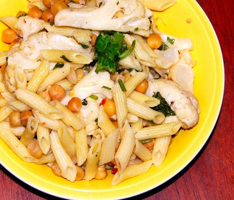 Pasta with Cauliflower and Chickpeas