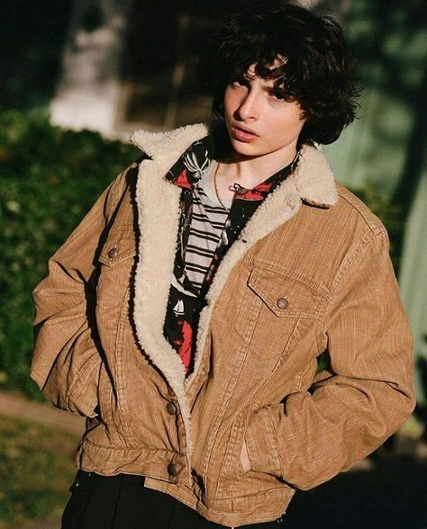 Find images and videos about it, stranger things and finn wolfhard on We Heart It - the app to get lost in what you love. Street Bob, Dakota Johnson, Pretty Boys, Cute Boys, Beautiful Boys, Italian Street Style, Finn Stranger Things, Lp Laura Pergolizzi, Jack Finn