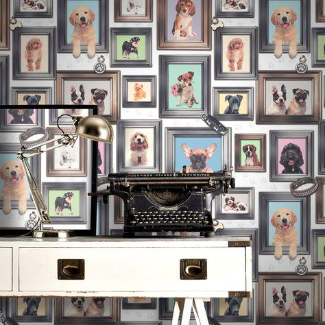 Acest tapet pe bază de hârtie, cu diverse rase de câini poate fi un element decorativ deosebit în camera copiilor.