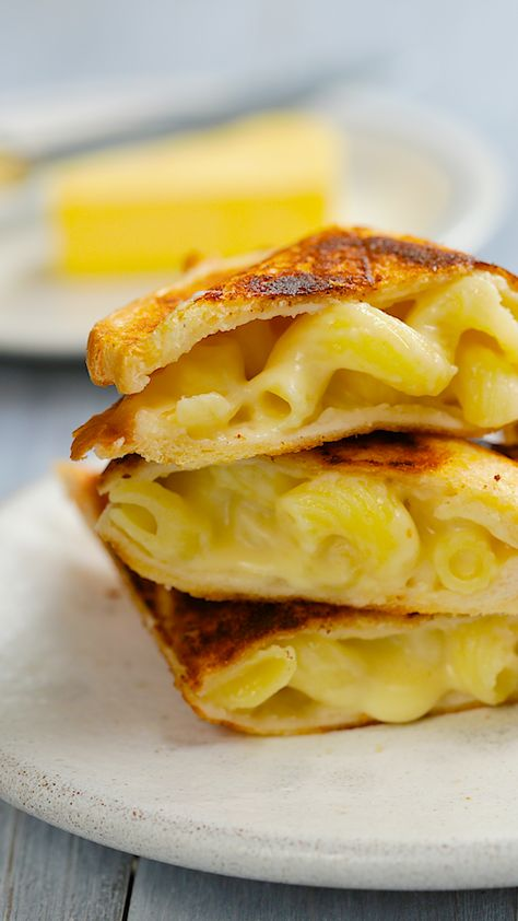 What's a better match than a mac n cheese toastie?