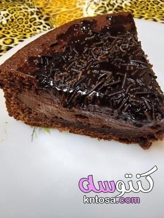 قنبلة الشيكولاتة بالصور طريقة عمل قنبلة شوكولاتة وصفة قنبلة شوكولاتة سهلة Food Desserts Brownie