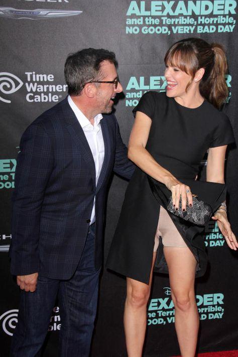 Jennifer Garner flashes her Spanx, plus more celebrity