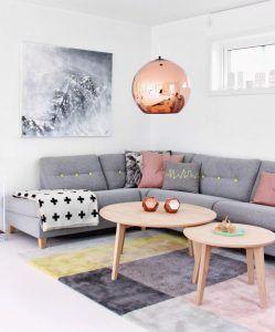 Een Lamp Boven De Salontafel Is Een Echte Eyecatcher Roze Woonkamers Ideeen Voor Thuisdecoratie En Decoraties