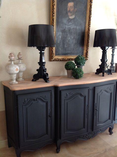 Bahut peint en noir et son plateau bois brut, accompagné de ses - Repeindre Un Meuble En Chene