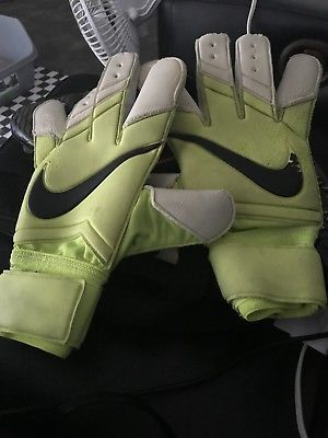 Details About Nike Vapor Grip 3 Rs Goalkeeper Gloves Size 10 Used Yellow White And Black In 2020 Goalkeeper Gloves Womens Soccer Cleats Nike Vapor