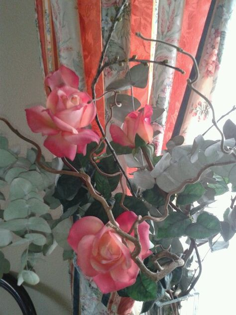 Decorar Con Flores Rosas Y Eucalipto Arreglos Florales Rosas