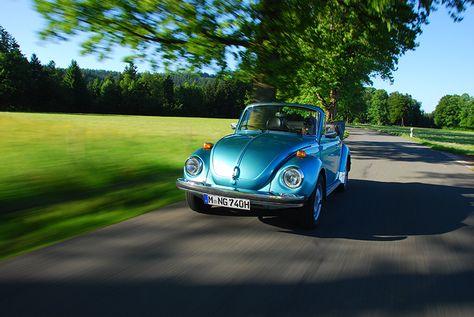 Volkswagen Käfer 1303 Cabriolet blau | Nostalgic Oldtimerreisen