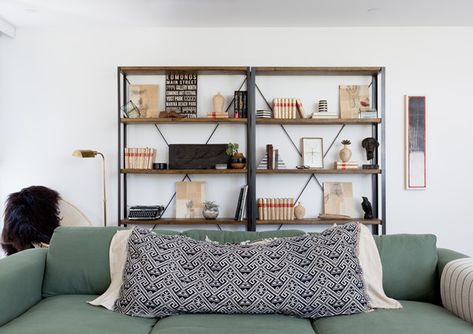 Author's Collection - Pierce Brown's Bachelor Pad Brings The Drama To A Cali Cool Space - Photos