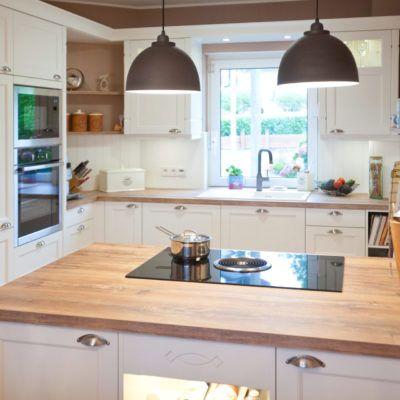 Moderne Landhauskueche Weiss Klassisch Holz Kueche Kochinsel Bora Neff 093 Landhauskuche Haus Kuchen Moderne Kuche