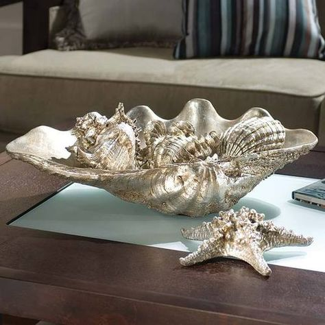 DIY Chrome/Silver Seashells  http://www.freestylinbeth.com/2011/07/718.html  #diy #craft #sea #shells #seashells #silver #chrome #paint #spray #tricks #ideas #decor #beach