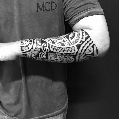 45 inspirações de tatuagens masculinas tribais e maori