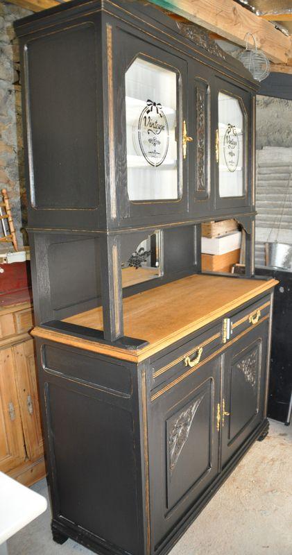 Vaisselier Black And White Un Pinceau Une Idee Relooker Meuble Ancien Relooking De Mobilier Meuble Vaisselier