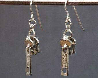 grunge jewelry Zipper Pull Earrings- Silver Zipper Earrings Found Object Jewelry Upcycled Jewelry Recycled Jewelry Silver Zipper Jewelry by Tanith Rohe Zipper Jewelry, Wire Jewelry, Jewelry Crafts, Jewelry Art, Jewelery, Beaded Jewelry Designs, Cameo Jewelry, Sterling Jewelry, Diy Schmuck