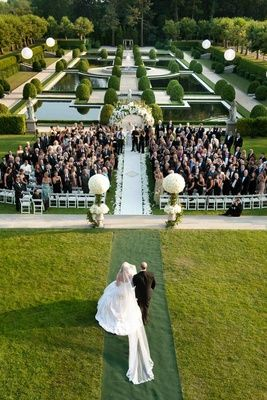 When it comes to luxury weddings in New York, OHEKA Castle in Long Island is the luxe choice on the Gold Coast, with venues for traditional ethnic, and gay weddings. Wedding Ceremony Ideas, Wedding Games, Wedding Planning, Wedding Aisles, Wedding Backdrops, Wedding Ceremonies, Ceremony Backdrop, Wedding Receptions, Ceremony Decorations