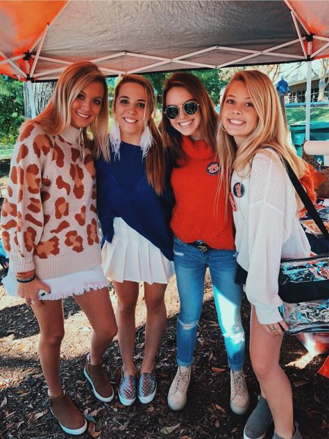 Source by fashion shoot Cute Friend Pictures, Best Friend Pictures, Bff Pics, Bff Goals, Best Friend Goals, Summer Outfits, Cute Outfits, Auburn University, Cute Friends