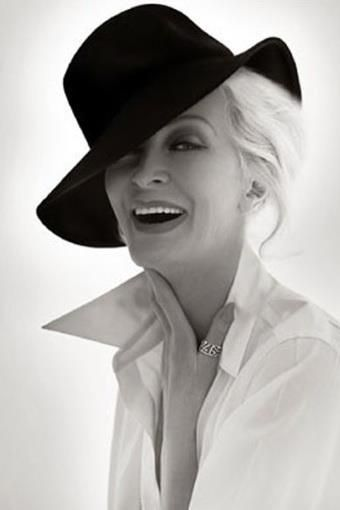 Ageless Beauty. Carmen Dell'Orefice. She's 80+!