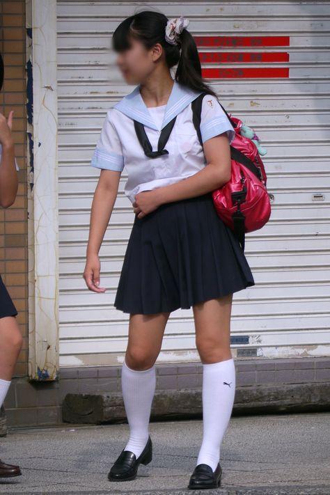 白ハイソックス女子校生の街撮り セーラー服に白ハイソックスな街撮り女子校生 | 女子校生制服 ...