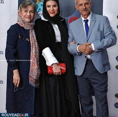 عکسی که سحر دولتشاهی با مادر و پدرش در صفحه رسمی اینستاگرام خود گذاشته است Persian Girls Iranian Women Women