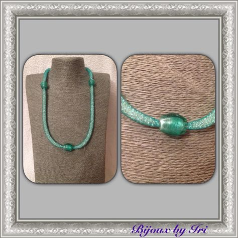 Collana in #retetubolare verde acqua con perline trasparenti e inserti di perline in vetro verde.  #birijoux  Modello disponibile in altri colori su richiesta