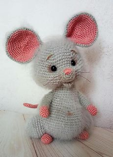 Ravelry: Coco the little mouse pattern by Ami By D