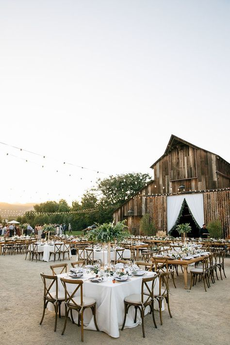 barn weddings La Tavola Fine Linen Rental: Lacy Pearl with Essex Taupe Napkins Country Barn Weddings, Country Style Wedding, Barn Wedding Venue, Outside Wedding, Farm Wedding, Wedding Reception, Dream Wedding, Chic Wedding, Rustic Weddings