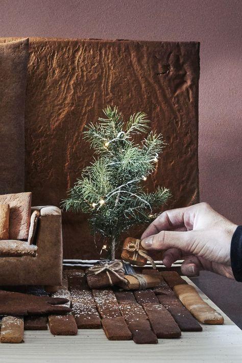 Pfefferkuchenteig VINTERSAGA #ikeadeutschlandweihnachten IKEA Deutschland | Mmmh. Lebkuchen. Dieses Jahr wollten wir mal etwas anders machen und ein Lebkuchenhaus basteln, das von IKEA inspiriert wurde. #meinIKEA #IKEA #Weihnachten #Dekoration #2018 #Deko #Xmas #Lebkuchenhaus #Weihnachtsdeko #neu #DIY #winterlich #Lebkuchen #Pfefferkuchen #Pfefferkuchenteig #VINTERSAGA #ikeadeutschlandweihnachten Pfefferkuchenteig VINTERSAGA #ikeadeutschlandweihnachten IKEA Deutschland | Mmmh. Lebkuchen. Dieses