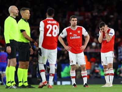 Paris Youssef El Arabi Scored In The Last Minute Of Extra Time And Knocked Arsenal Out Of The Europa League On Thursday Nigh In 2020 Europa League League Bbc Football