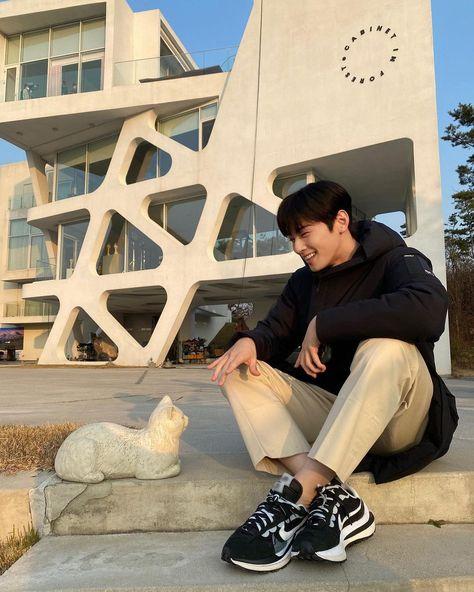 """♡ パン on Twitter: """"ฉันรักกล้องสดน้องชา หล่ออะไรขนาดนี้ >_<… """" Suho, Park Jin Woo, Cha Eunwoo Astro, Lee Dong Min, Handsome Korean Actors, Cute Asian Guys, Kdrama Actors, K Idol, Korean Celebrities"""