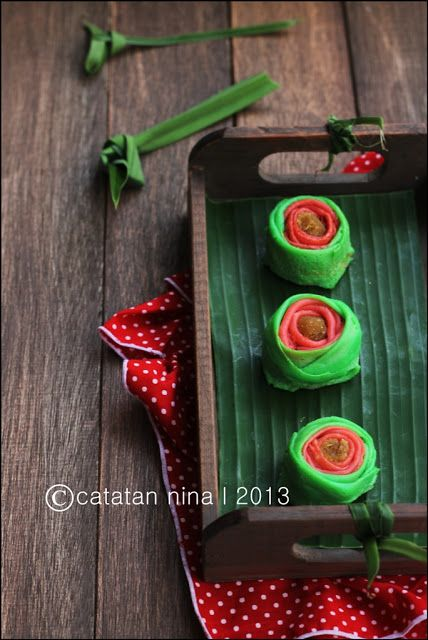 Dadar Gulung Mawar : dadar, gulung, mawar, FIRST, TRIAL, DADAR, GULUNG, MAWAR, Catatan-Nina, Indonesian, Desserts,, Birthday, Candles,, Candles