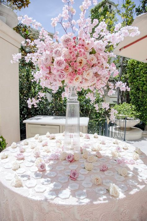 Top 10 Luxury Wedding Venues to Hold a 5 Star Wedding - Love It All Quinceanera Decorations, Wedding Table Decorations, Pink Wedding Centerpieces, Web Banner Design, Wedding Events, Wedding Ceremony, Luxury Wedding Venues, Wedding Ideas, Floral Wedding