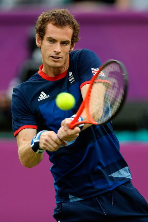 London 2012 - Team GB's Andy Murray deploys his lethal backhand against Jarkko Nieminen of Finland in the second round of Men's Singles Tennis at Wimbledon.  2012 Getty Images