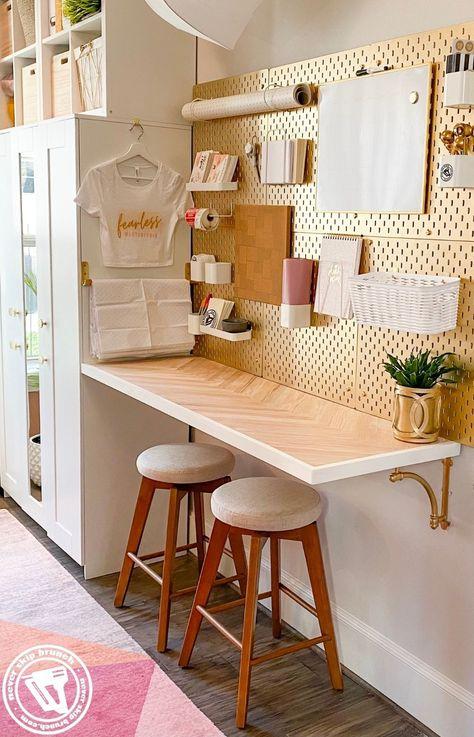 Ikea Pegboard, Pegboard Craft Room, Easy Bar, Craft Desk, Diy Desk, Diy Crafts Desk, Diy Office Desk, Herringbone Pattern, Hacks Diy