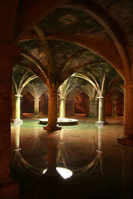 Underground cistern in Istanbul. Please, give me a chance to go to Istanbul. Old Buildings, Abandoned Buildings, Abandoned Places, Abandoned Castles, Abandoned Library, Haunted Places, Beautiful Architecture, Beautiful Buildings, Beautiful Places