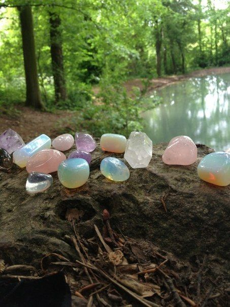"""*** Three Rivers Deep (book series) """"A two-souled girl begins a journey of… Crystal Magic, Crystal Grid, Crystal Healing, Crystal Altar, Quartz Crystal, Crystals And Gemstones, Stones And Crystals, Gem Stones, Crystal Aesthetic"""
