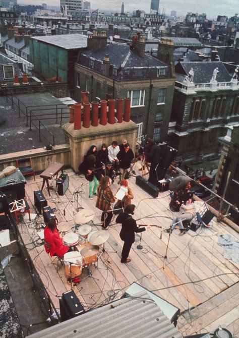 The Beatles, on the rooftop of Apple Headquarters. For the recording of the film Let It Be, their last live concert as a band.